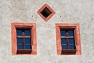 Windows (Precnek)