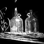Zátišie s fľašami (millana)