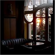 místo u okna (rol_men)