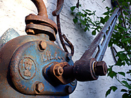 //galerie.digiarena.e15.cz/data/540/thumbs/Old_Water_Pump.jpg